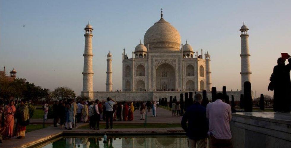 عزوف السياح عن زيارة تاج محل في الهند