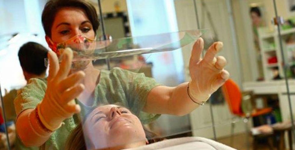 تدابير جديدة في صالونات تصفيف الشعر
