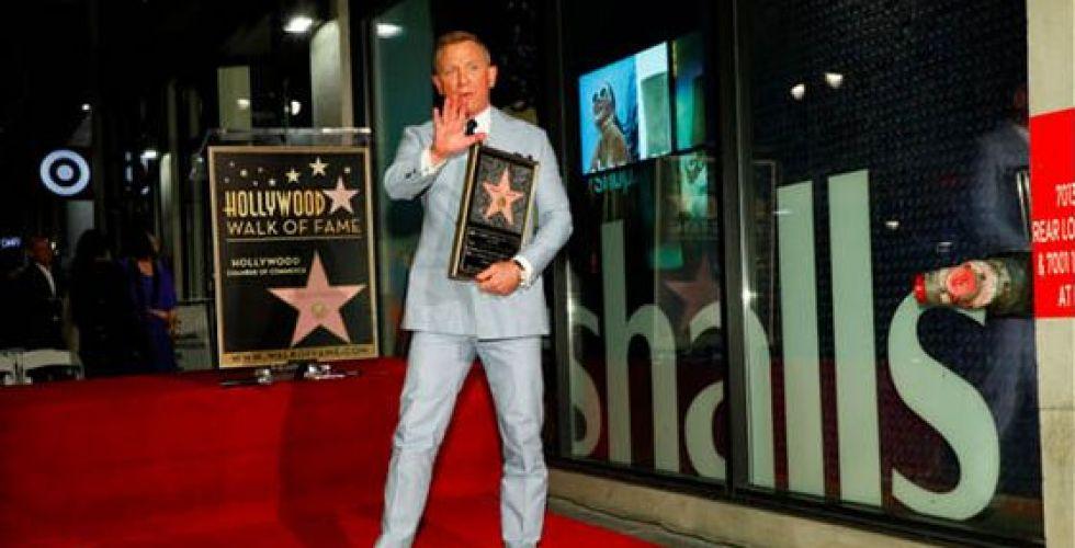وداعا جيمس بوند نجمته في ممشى هوليوود
