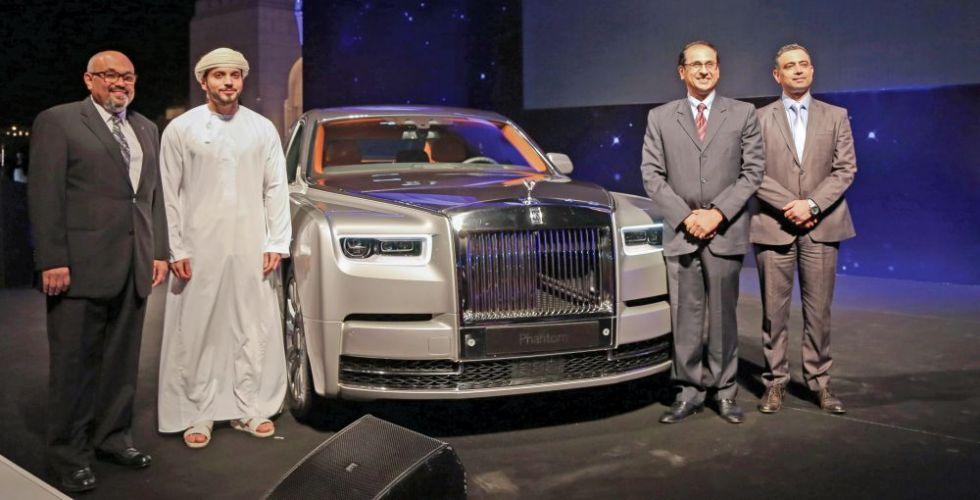 رولز- رويس فانتوم تنطلق في عمان