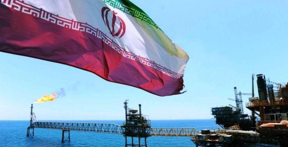ايران بدأت تهريب نفطها في السوق الرمادية