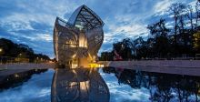 Louis Vuitton لويس فيتون تبهر العالم بمتحفها الزجاجي بباريس