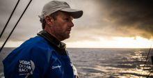 ماذا حصل بعد اصطدام قارب كريس نيكلسون؟