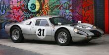تعرف على واحدة من أجمل سيارات السباق من بورش