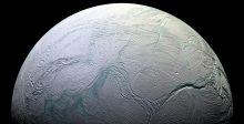 ناسا وبخار الماء من كوكب زحل