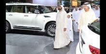 حاكم دبي يجول في معرضها الدولي للسيارات