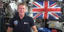 بيك يشارك من الفضاء في ماراتون لندن