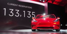 Tesla تجمع مليارين $  لل Model 3