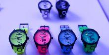 Calvin Klein والساعات الملونة