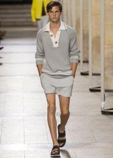 Hermès تحافظ على الأناقة الفاخرة