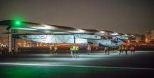 الطائرة الشمسية تنهي رحلتها في أبوظبي