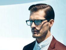 GUESS ونظارات بنغمات زرقاء