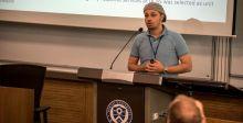 حمدان بن محمّد الذّكيّة تعرض إبداعات وطنيّة
