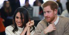 أميركية تتصوّر في دمى عرس الأمير هاري وماركل