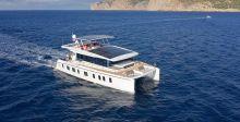 S55  أوّل يختٍ على الطاقة الشمسيّة في بحر آسيا