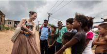 أنجلينا جولي تُسقط الشائعات وتظهربين أطفال فنزويلا