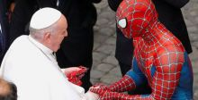 سبايدرمان في ضيافة البابا فرنسيس
