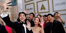 """الكوريون يحتفلون بالفوز التاريخي لفيلم """"باراسايت"""" بالأوسكار"""