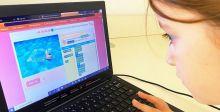 طلّاب مدارس يُكملون 2020 ساعة تعليمية في البرمجة والترميز